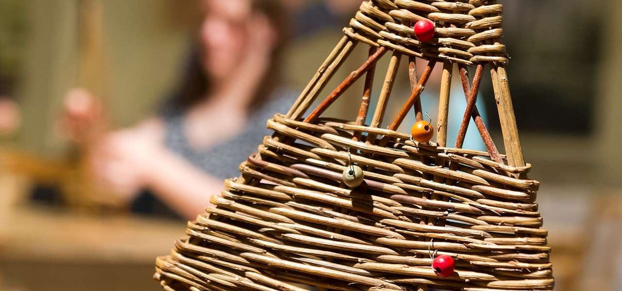 Festive Willow Crafts