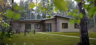 6 bed woodland lodge